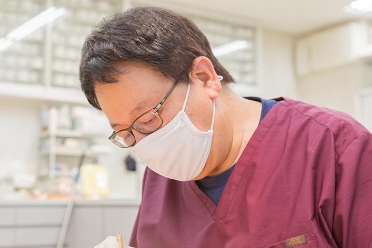 常勤の矯正治療専門の歯科医師